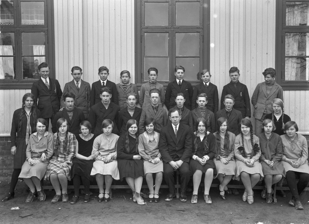 Framhaldsskolelærer på Råholt (gamle Råholt skole) Otto Nordheim.