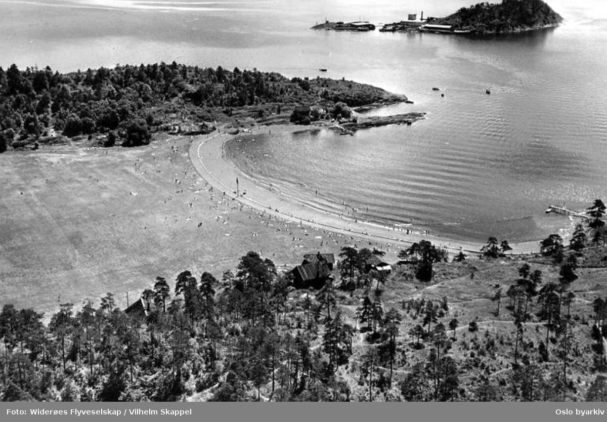 Langøyene, badeliv. Husbergøya (Flyfoto)