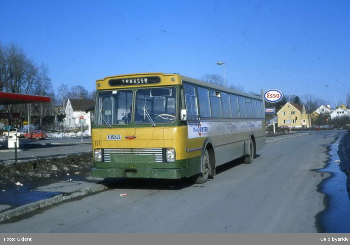 Busser, Ing. M.O. Schøyens Bilcentraler (SBC) buss A-15243 i Tåsenveien.