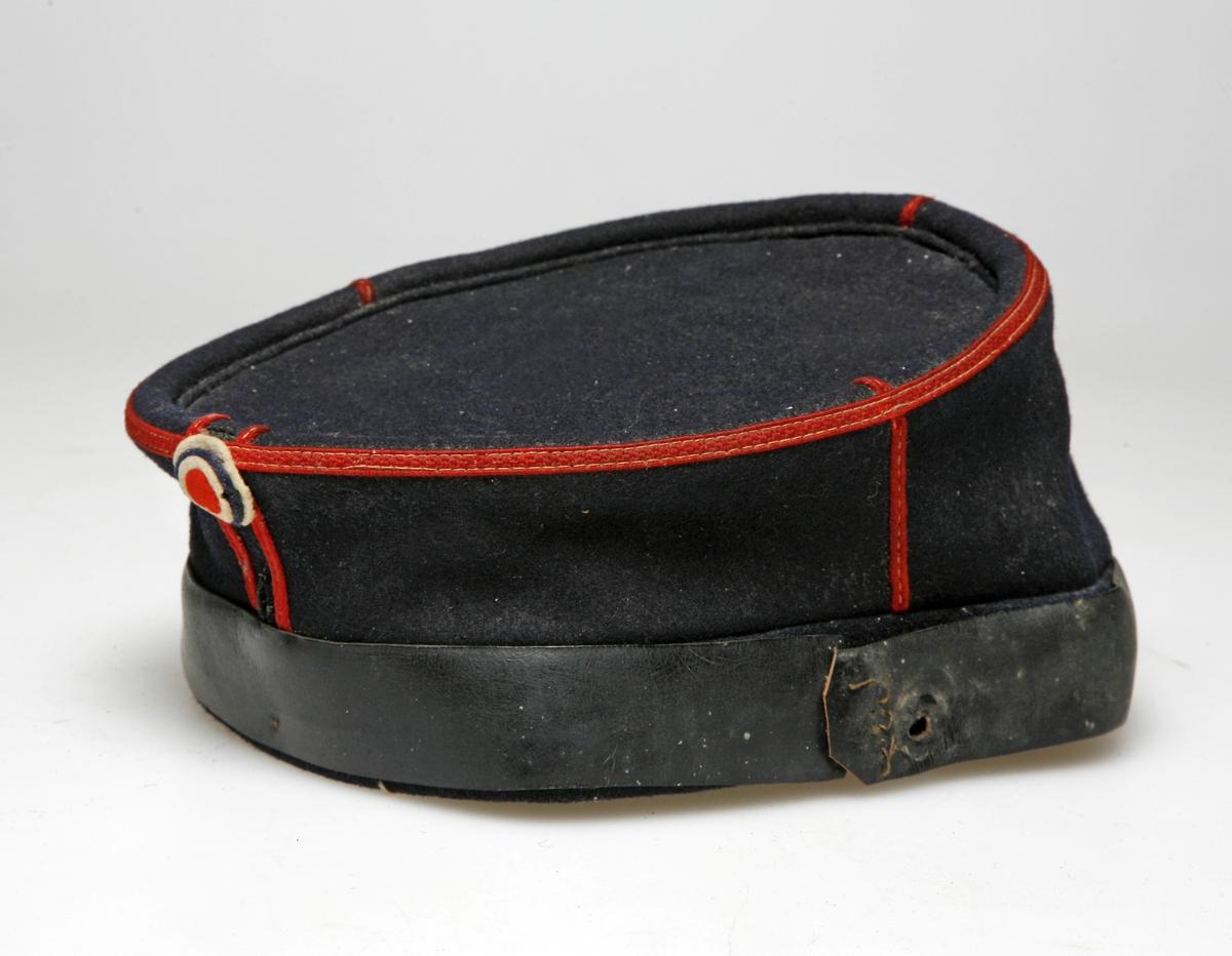 Lue, Kepi M/1894 for menige (uniform, militær).  Mangler brem, hakereim og festeknapper samt avdelingsknapp.