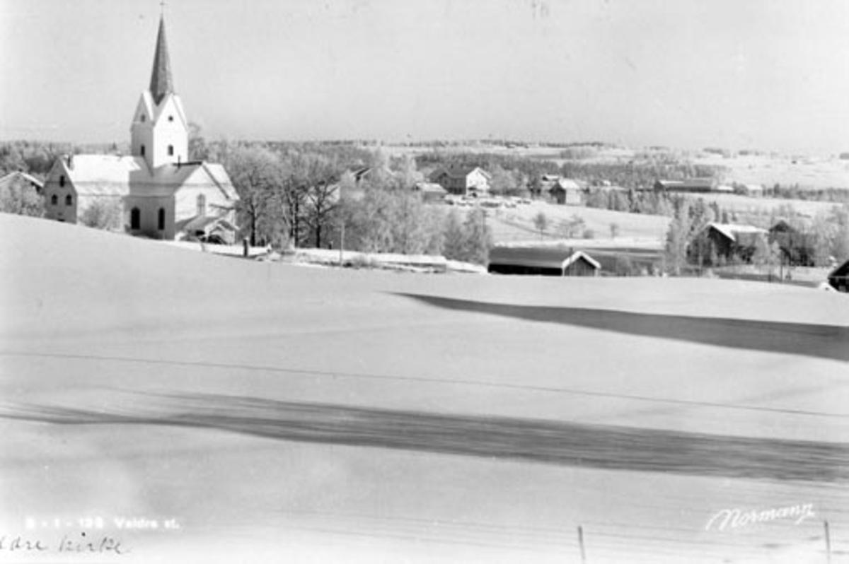 Veldre kirke, Ringsaker. Vinter.