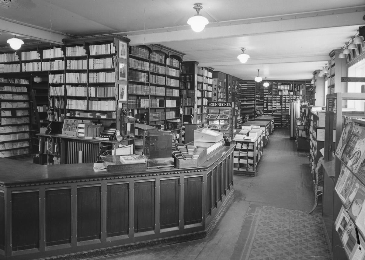 Interiør fra Bruns bokhandel