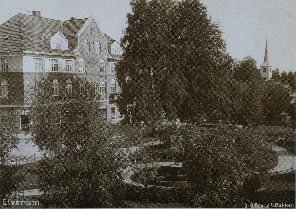 Triangelparken, Posthuset, Elverum, ca 1918.