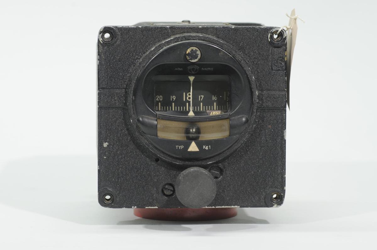 Kursgyro Kg1, försett med svängindikator. För Fpl. 17, J 28A, Sk 50.