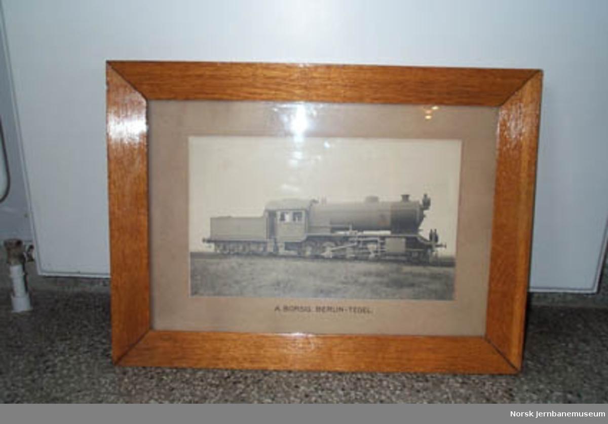 Leveransefoto av Norsk Hoved-Jernbanes damplokomotiv litra H nr. 47 i glass og ramme