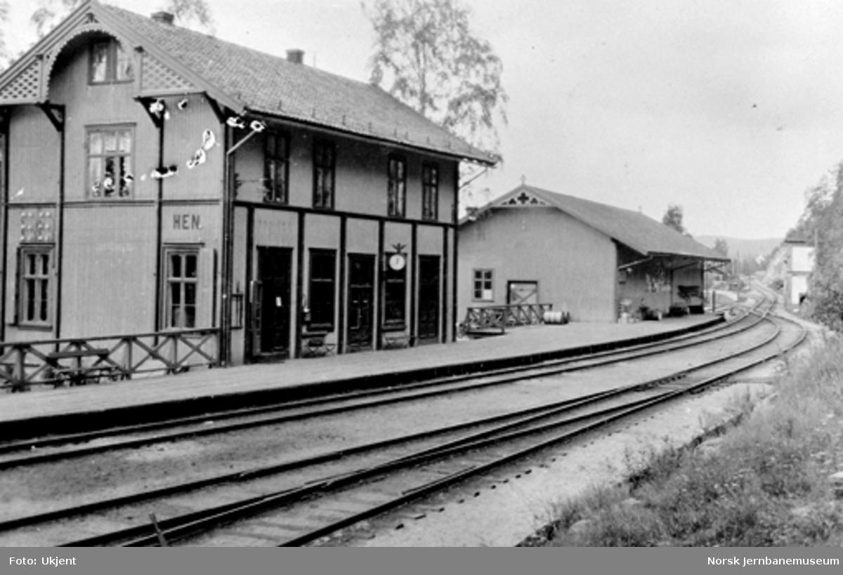 Hen stasjon sett nordver : Sperillbanens pæl 0
