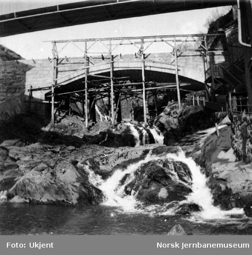 Bygging av Vaksdal steinhvelbru