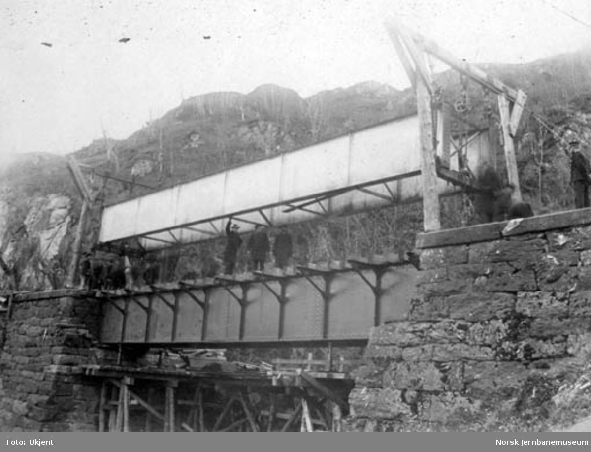Bytting av overbygning på Stavenes bru