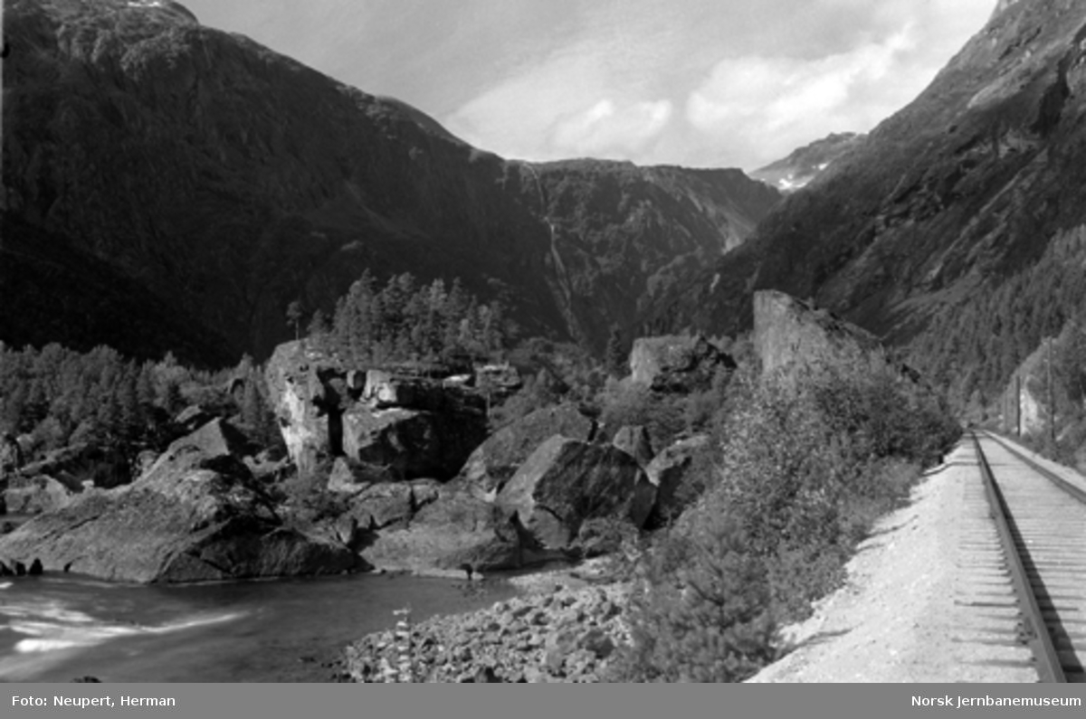 Raumabanens trasé mellom Verma og Marstein