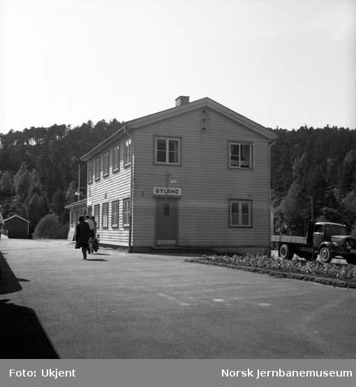 Gyland stasjon