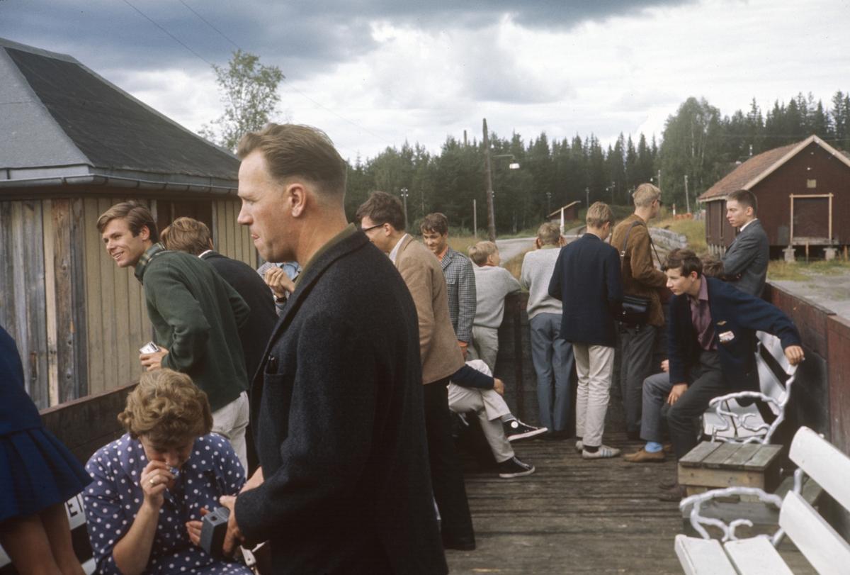 Underveis med A/L Hølandsbanens veterantog på Skreiabanen