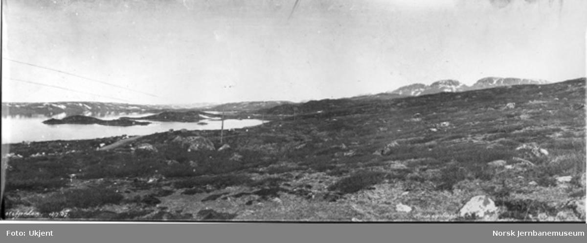 Fra Ustefjorden med anleggsvegen