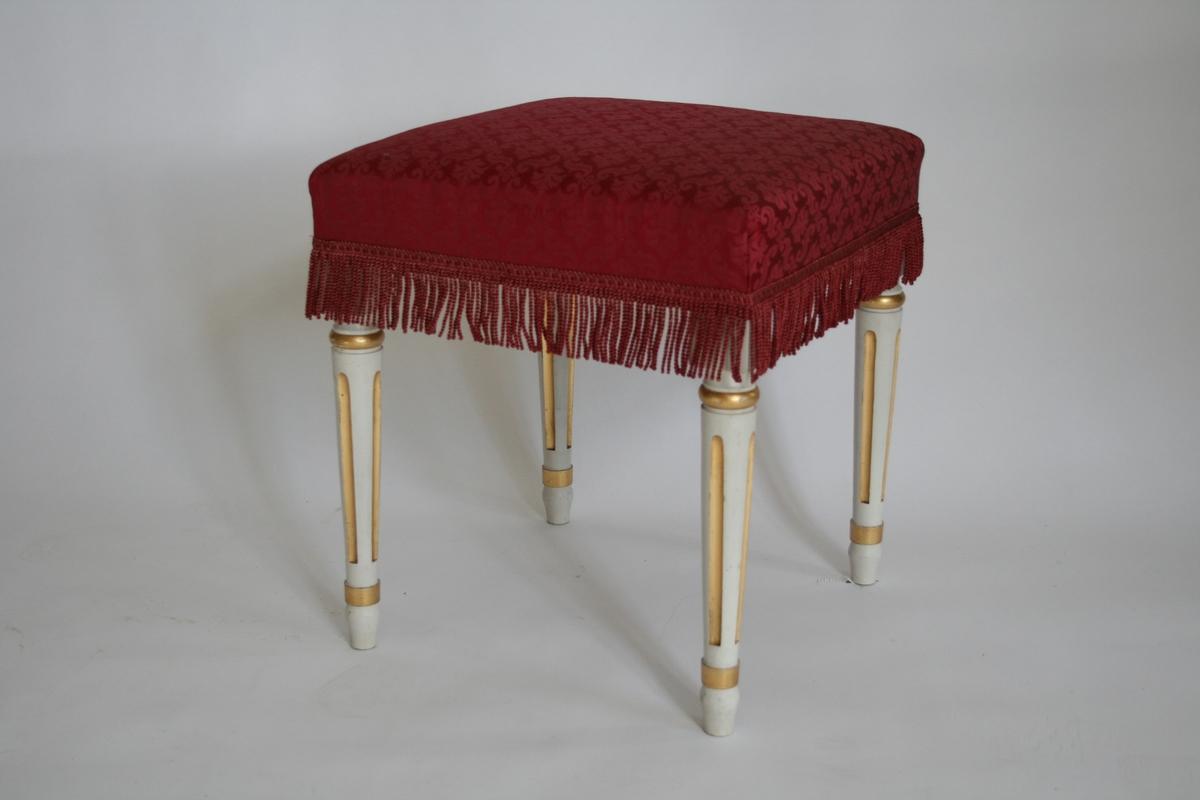 Loius XVI, hvite, forgylte, rødt silketrekk En av 6 like.