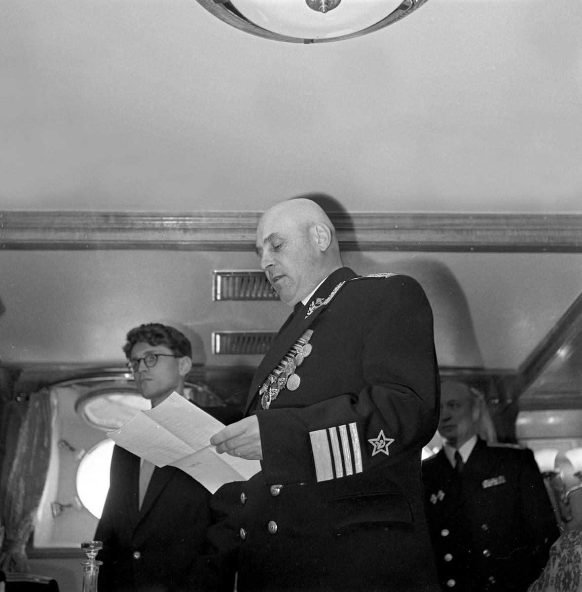 Serie. Russisk flåtebesøk i Oslo, blant annet på Akershus festning. Fotografert 8. aug. 1956.