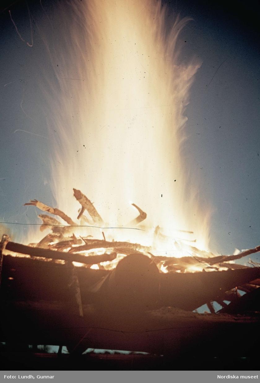 Scoutläger i Tullgarn. En brinnande eld.