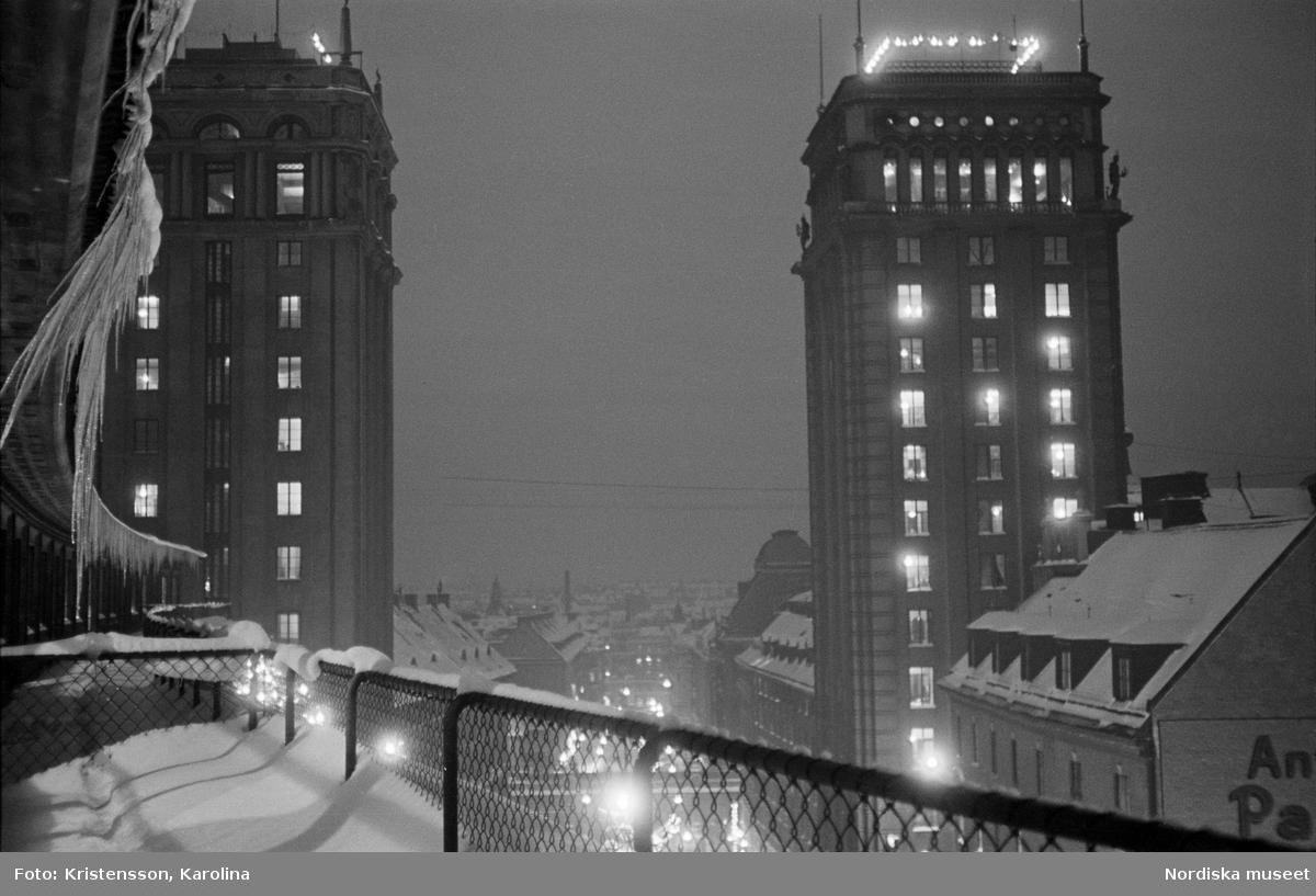 Stockholm, Kungsgatan. Kungstornen i kvällsbelysning.
