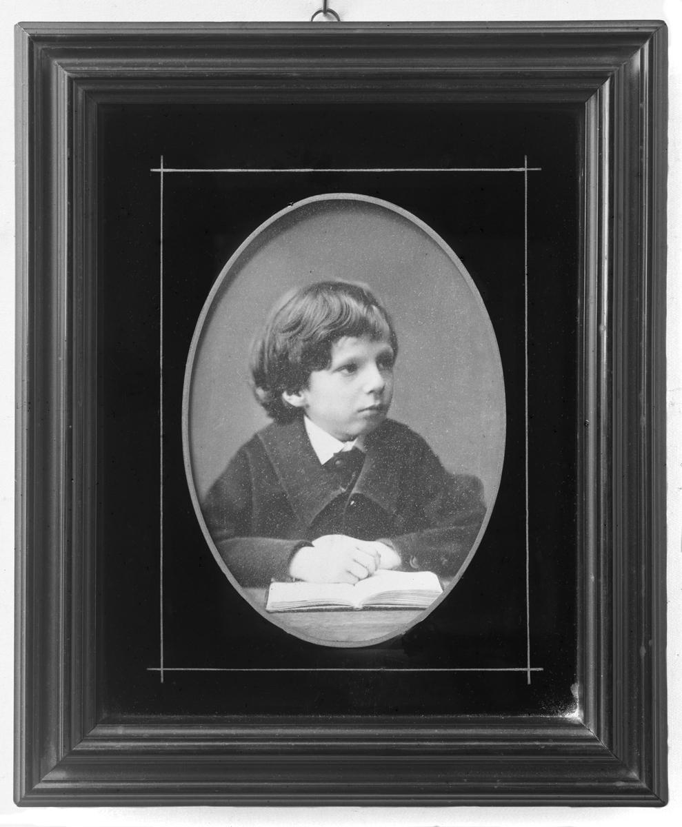 Gunnar Hazelius (född 1874 död 1905) var filosofie licensiat och Skansenchef.
