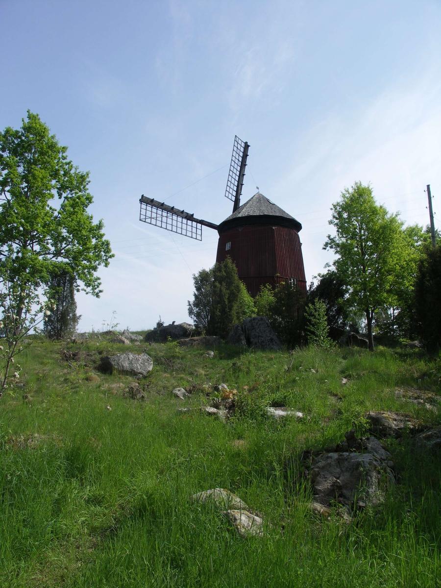 Väderkvarn på Svinvallen i Ekeby by, Vänge socken, Uppland 2005