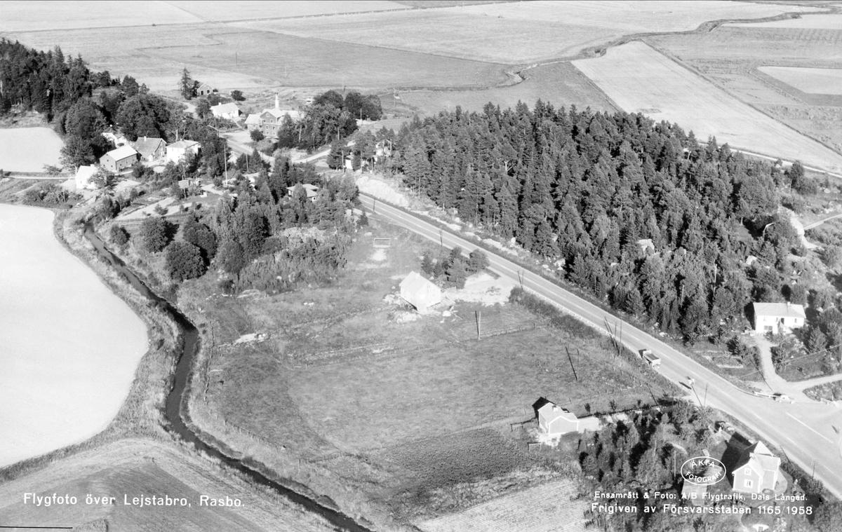Flygfoto över Lejsta, Rasbo socken, Uppland 1958
