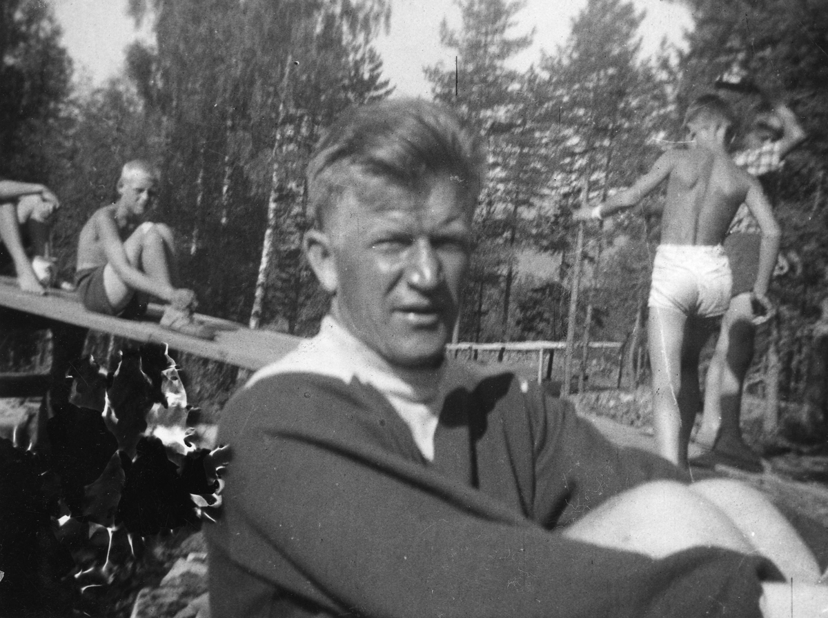 Birger Ruud at the Ruudhytta cabin.