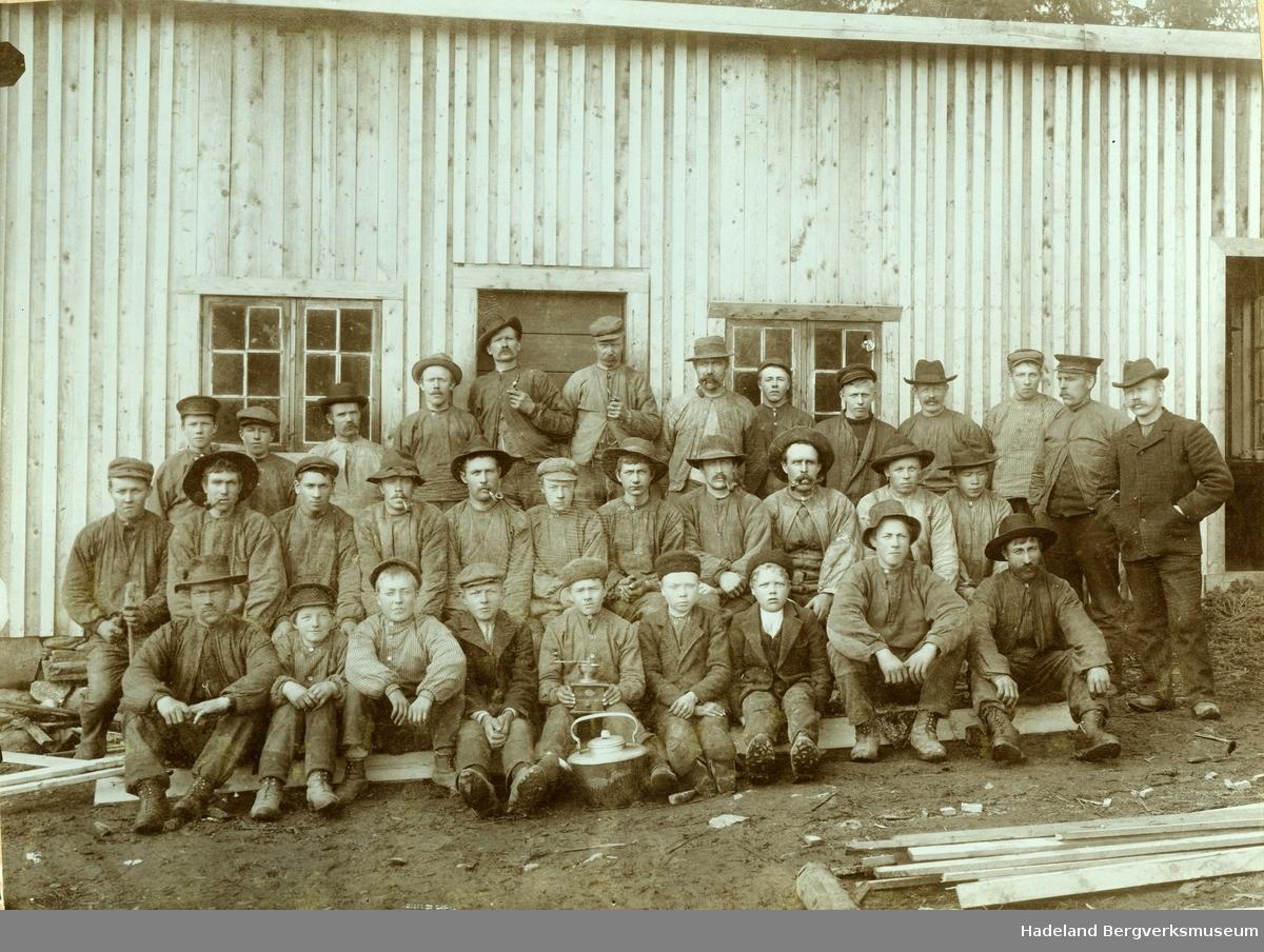 Arbeidere ved Hadeland Bergverk.