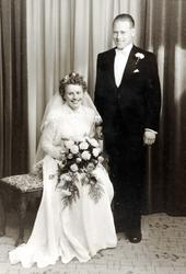 Brudeparet Arnhild Refsnes og Anders Haaland.