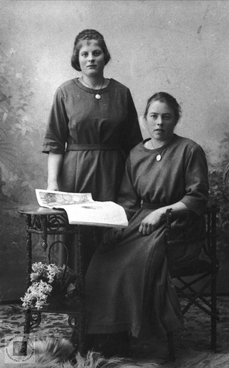 Portrett av Tarjerd og Anna Huset, Bjelland.
