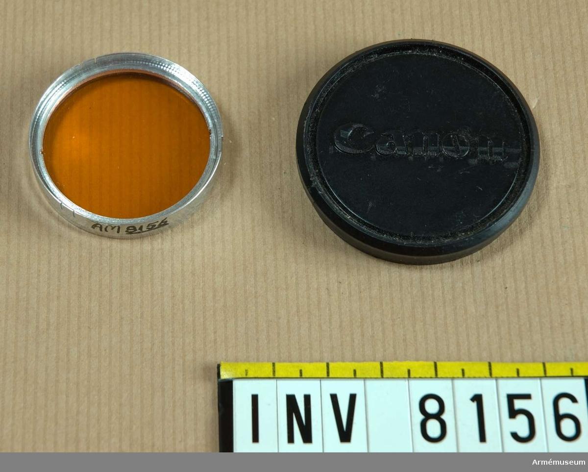 Samhörande nr är AM 8151 - 8199. .Filtret låg tillsammans med tillbehör till storbildskameran. Ur fotomaterielsats 7.