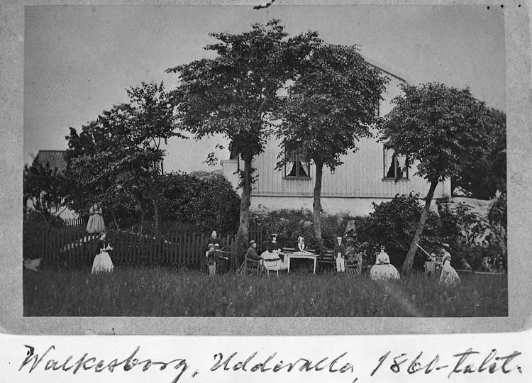 "Text på kortet: ""Walkesborg, Uddevalla, 1860-talet""."