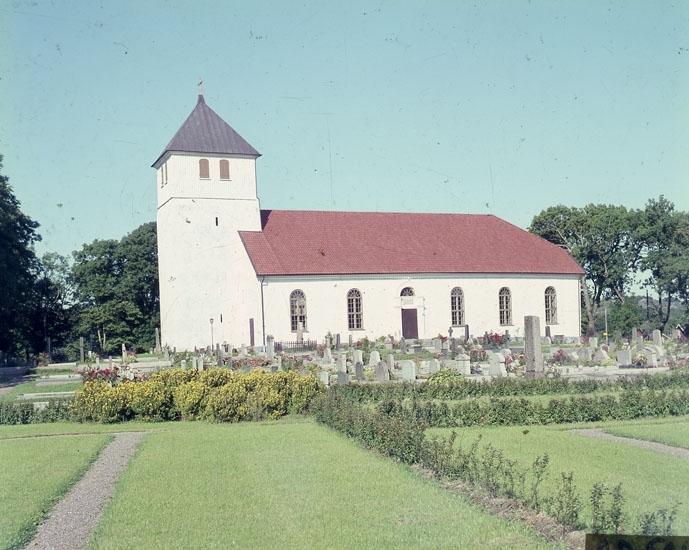 """Enligt AB Flygtrafik Bengtsfors: """"Torsby kyrka Harestad Bohuslän"""".   ::"""