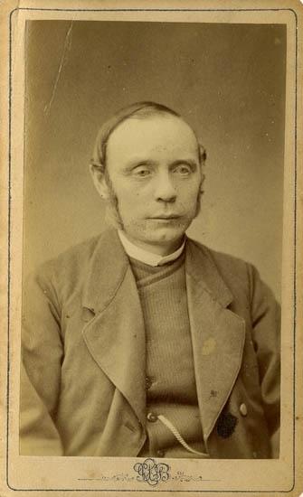 """Text på kortets baksida: """"J. W. Lundqvist, Kållängen. Kongård""""."""
