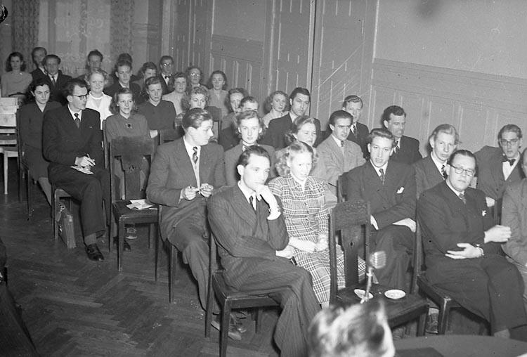 """Enligt notering: """"Folkpartiet 3/7 1949""""."""