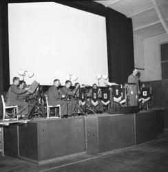 """Enligt notering: """"Konsert på I 17 27-1-1956""""."""