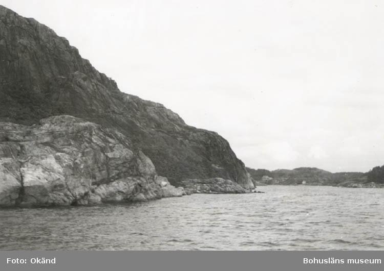 """Noterat på kortet: """"Mjölkevikskilen. Stigfjorden (Tjörn- Mjörn) 11 Sept. 1955.  Blick mot öster, in i kilen. Till v. Mjörn."""""""