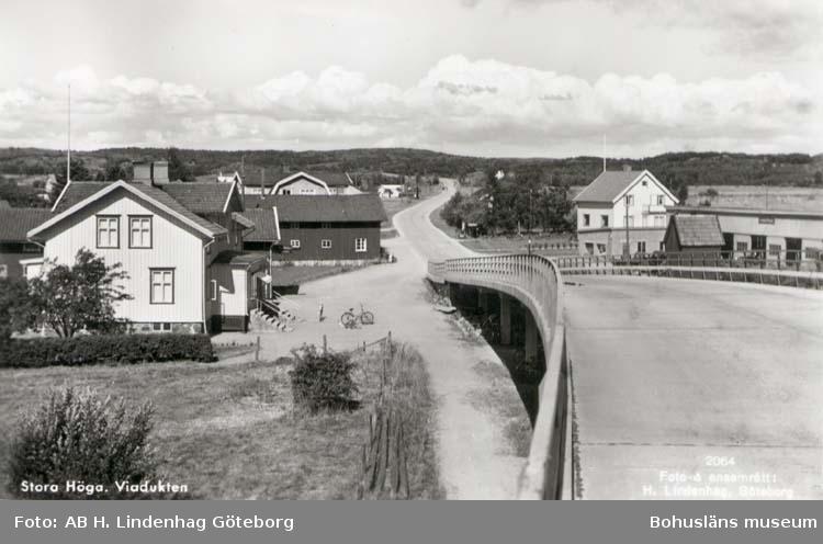 """Tryckt text på kortet: """"Stora Höga. Viadukten."""""""