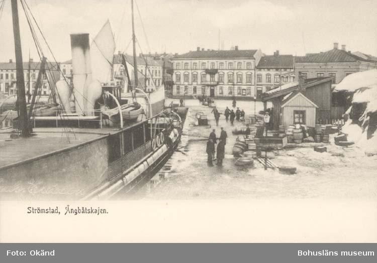 """Tryckt text på kortet: """"Strömstad. Ångbåtskajen."""""""