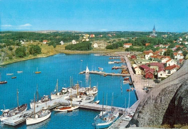 """Tryckt text på kortet: """"Grebbestad."""" """"Ultraförlaget A. B. Solna."""""""
