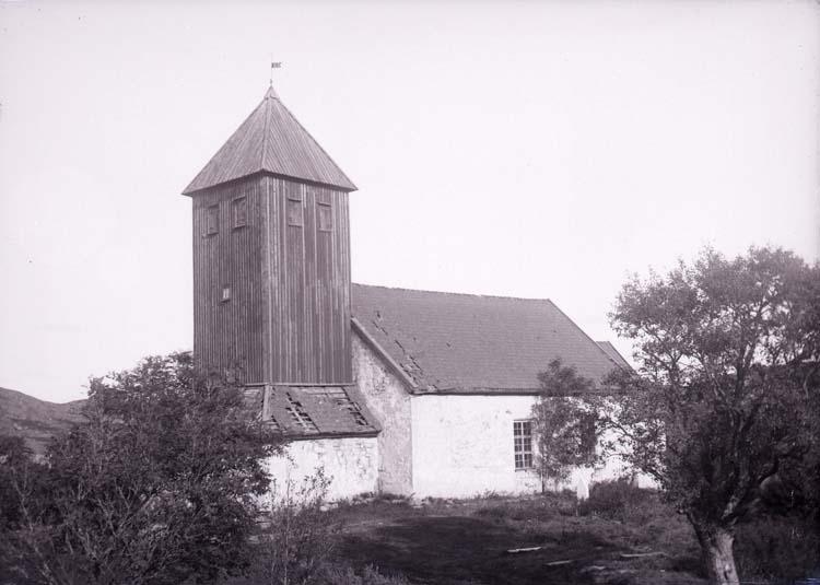 """""""Bokenäs gamla kyrka"""". Exteriör."""