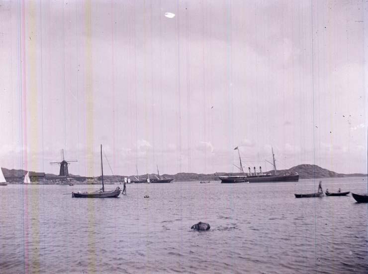 """Enligt text som medföljde bilden: """"Marstrand """"Drott."""""""
