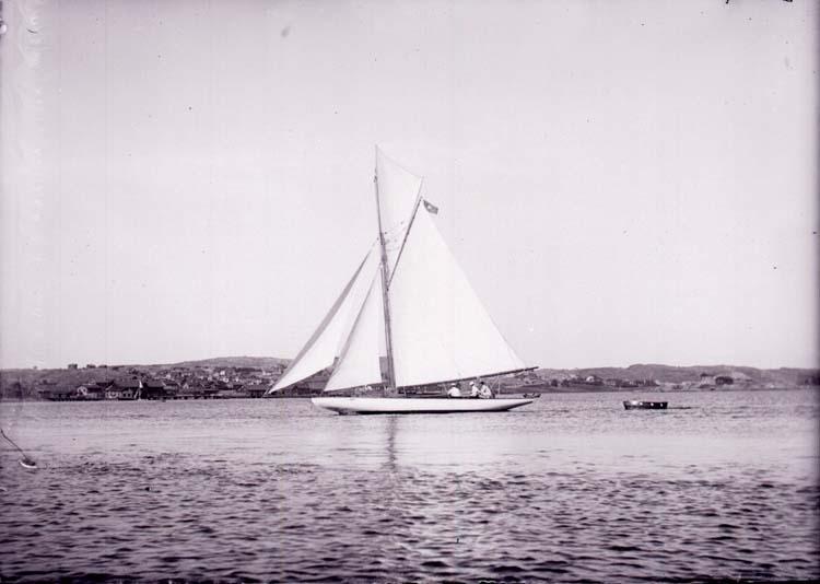 """Enligt text som medföljde bilden: """"Lysekil. Thelma 9/8 1901."""" ::"""