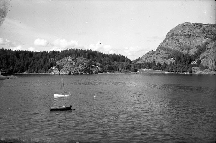 """Enligt fotografens noteringar: """"1952. Gårvik."""""""