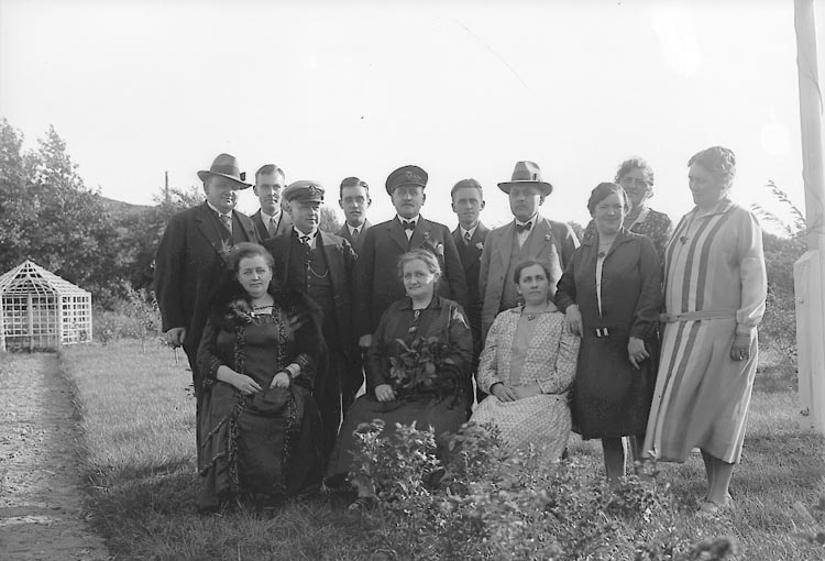 "Enligt fotografens journal nr 5 1923-1929: ""Edgren, Fr. Elisabeth Här""."