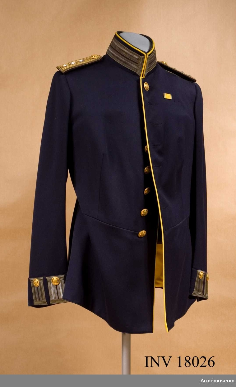 Grupp C I.  Ur uniform m/1866 för kapten vid Dalregementet.