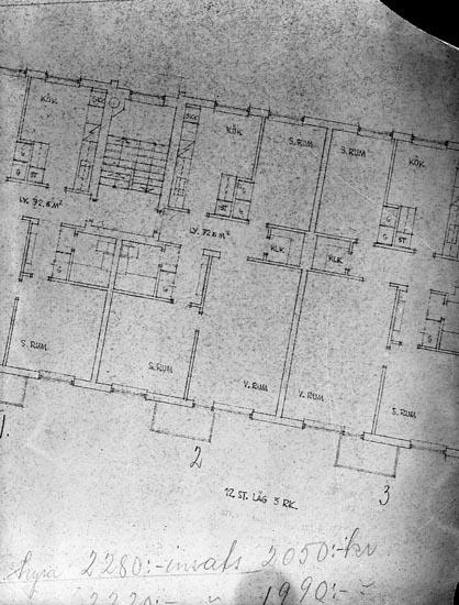 """Enligt fotografens journal nr 8 1951-1957: """"Enander, Karta över lägenhet i Fastigheten """"Svanen"""", Stenungsund""""."""