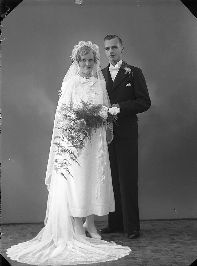 """Enligt fotografens journal nr 6 1930-1943: """"Åkesson, Harry Berg Ödsmål""""."""