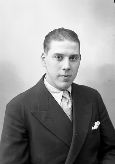 "Enligt fotografens journal nr 6 1930-1943: ""Johansson, Einar Myren Spekeröd""."