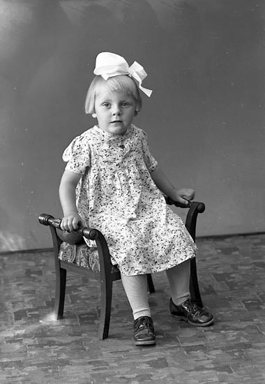 "Enligt fotografens journal nr 6 1930-1943: ""Emilsson, Fru Bergsäter Jörlanda""."