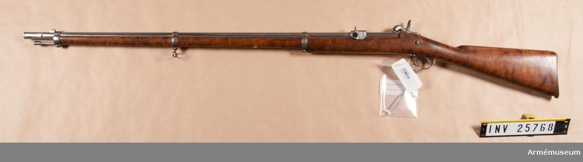 Grupp E II. Kammarladdningsgevär m/1864 med slaglås för infanteri.