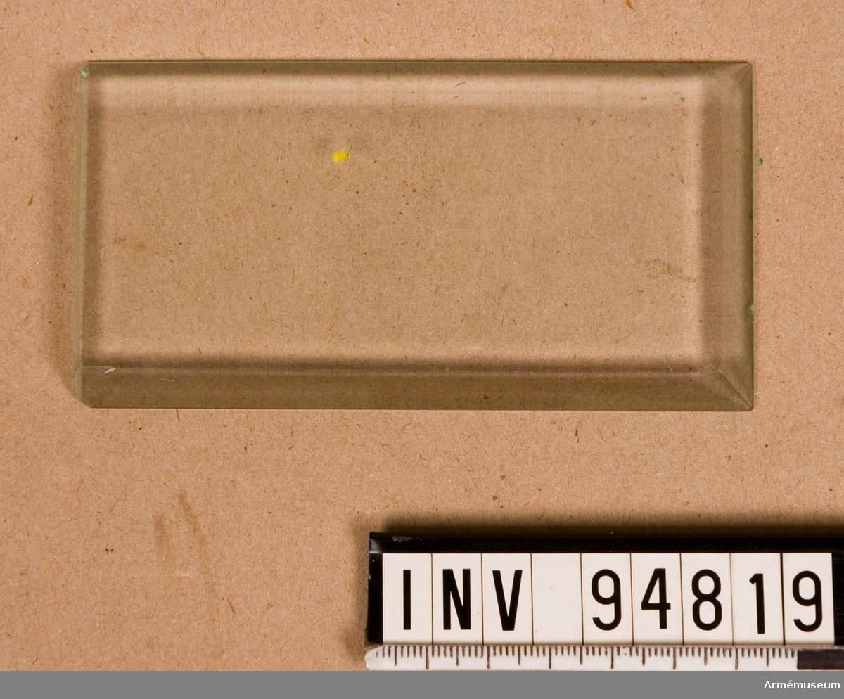 Till ena gaveln på apparatverket på telegraf m/1898.