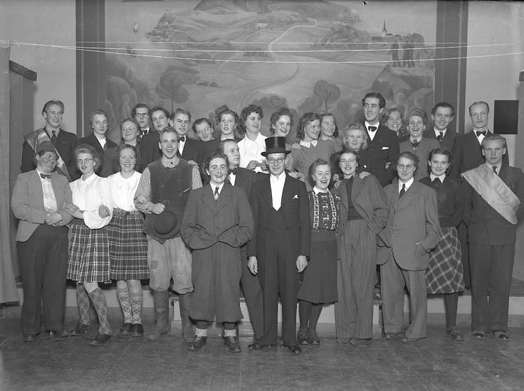 """Text till bilden:""""Gruppbild. V.U.S. 21/2 1942""""."""